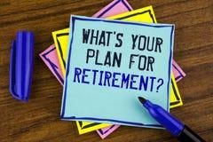 Écriture des textes d'écriture ce qui EST votre plan pour la question de retraite La signification de concept a pensé tous les pl Photo stock