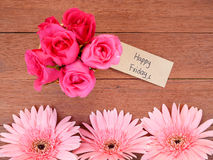 Écriture vendredi heureux sur le papier pour étiquettes brun 1 Images stock