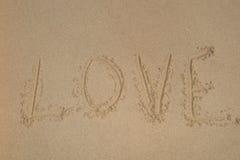 Écrivez l'amour sur la plage, message d'amour Photographie stock libre de droits