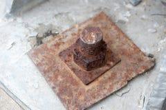 Écrous rouillés en métal verrouillés image libre de droits