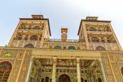 Édifice de tours de palais de Golestan du Sun images stock