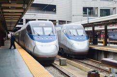 Éditorial : Boston, le Massachusetts/Etats-Unis, le 6 novembre 2017 Train d'Amtrak à l'information du sud de train de station photographie stock libre de droits
