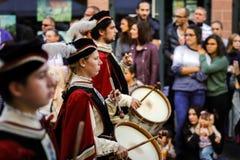 Éditorial, le 4 octobre 2015 : Barr, France : DES Vendanges de fête Image libre de droits