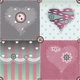 Édredon de patchwork avec les coeurs et la dentelle. Photographie stock
