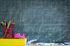 Éducation ou de nouveau au concept d'école photographie stock libre de droits