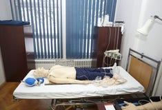 Éducation patiente de médecine d'hôpital de poupée Photographie stock