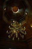 Église à l'intérieur de lustre de Baturin Photos libres de droits