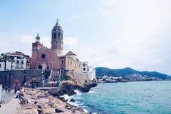 Église à la mer photographie stock
