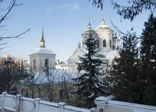 Église antique de Pokrovskaya à Kiev sur le Podol Il a été construit en 1772 Jour d'hiver Photographie stock