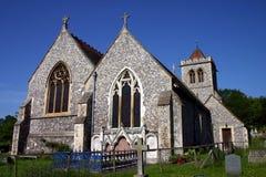 Église antique de silex, ciel bleu profond Photographie stock