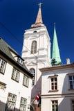 Église baroque à la vieille ville de Riga, Lettonie Image libre de droits