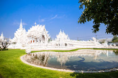 Église blanche célèbre dans Wat Rong Khun Image libre de droits