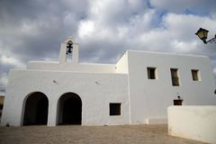Église blanche dans Ibiza photos stock