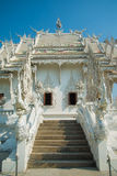 Église blanche, Wat Rong Khun, Chiangrai, Thaïlande Photographie stock libre de droits