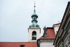Église catholique de la nativité du seigneur Prague Loreta - un complexe des bâtiments historiques à Prague sur l'oriental Image libre de droits