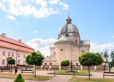 Église catholique de la trinité sainte et du monastère dominicain Liskiava photographie stock libre de droits