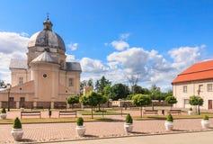 Église catholique de la trinité sainte et du monastère dominicain Liskiava image libre de droits