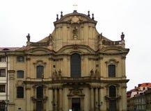 Église catholique de Saint-Nicolas à Prague Photos stock