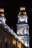Église coloniale magnifique la nuit photographie stock libre de droits