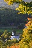 Église communautaire de Stowe dans la chute tôt images stock