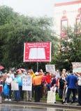 Église contre le rassemblement d'état Photos stock