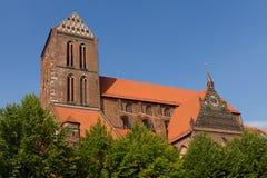 Église dans la vieille ville Wismar en Allemagne Photo stock