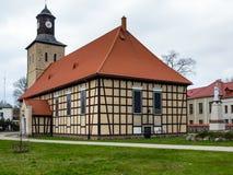 Église dans la ville de Pisz Image stock