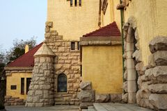 Église dans la ville de Qingdao, porcelaine Photos stock