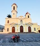 Église dans le grand dos principal, cienfuegos, Cuba Photographie stock