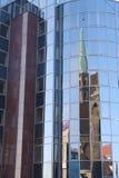 Église dans le miroir Photographie stock