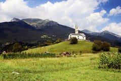 Église dans le village servo Italie Photos stock