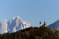 Église dans les montagnes Photographie stock