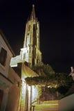 Église dans mauvais Dürkheim la nuit photos stock