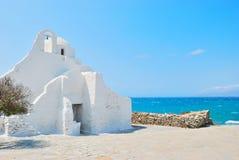 Église de blanc de Mykonos Photographie stock