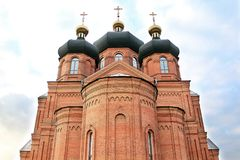 Église de brique rouge Photographie stock libre de droits