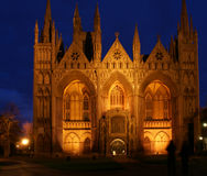 Église de cathédrale la nuit Photographie stock libre de droits
