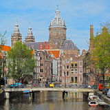 Église de centre de la ville d'Amsterdam Image stock