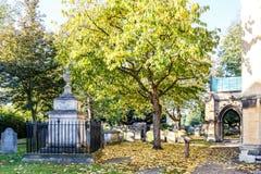 Église de Chiswick en automne, Londres image stock