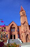 Église de façade dans le type gothique Image libre de droits