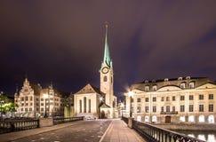 Église de Fraumuenster la nuit, Zurich Photo libre de droits