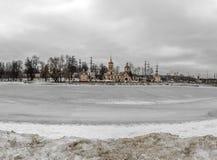 Église de l'exaltation de la croix sainte, Moscou, Russie Photographie stock