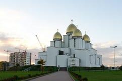 Église de la nativité de la Vierge bénie sur le fond de ciel Image libre de droits
