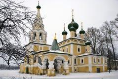 Église de la nativité du baptiste de John en hiver Image libre de droits