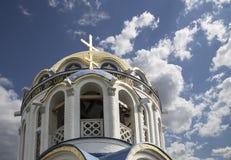 Église de la protection de la mère de Dieu chez Yasenevo, Moscou, Russie Photographie stock