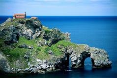 Église de mer sur la falaise Image stock