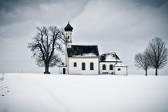 Église de paysage de l'hiver Images stock
