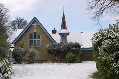 Église de rue andrews dans la neige Image libre de droits