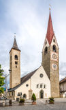 Église de saint Laurentius en San Lorenzo di Sebato - l'Italie Photos stock
