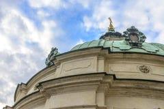 Église de Saint-Nicolas à Prague Images stock