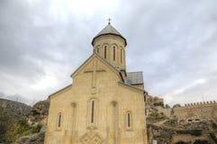 Église de Saint-Nicolas La forteresse de Narikala photographie stock